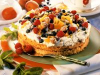 Cream Cake with Fruit and Amaretti recipe