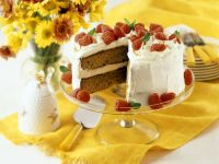 Cream Cake with Raspberries recipe