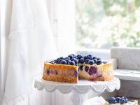 Cream Cheese Gateau with Berries recipe