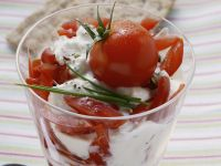 Cream Yoghurt with Cottage Cheese and Tomatoes recipe