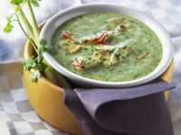 Creamy Spinach Soup with Chicken and Mushrooms recipe