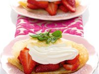 Crepes with Strawberries recipe