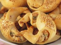 Croissants with Smoked Salmon and Cream Cheese Filling recipe