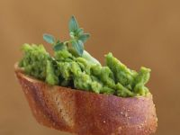 Crostini with Avocado Puree recipe