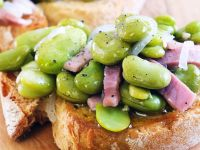 Crostini with Beans, Onions and Ham recipe