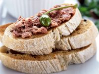 Crostini with Tuna and Capers recipe