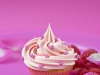Cupcake with Strawberry Jam Centre recipe