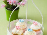 Cupcakes with Sugar Blossoms recipe