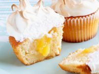 Curd Cakes with Meringue Topping recipe