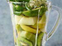 Smooth Green Detox Drink recipe