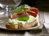 Duck Breast Crostini with Pea and Mint Spread recipe