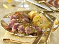 Duck Breast with Pepper Sauce and Caramelized Apples recipe