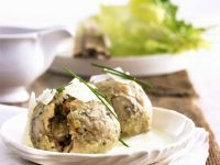 Dumplings Stuffed with Mushrooms and White Wine Sauce recipe