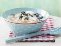 Cracker Porridge with Blueberries recipe