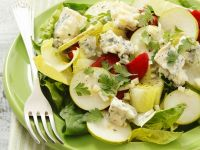 Endive Salad with Spinach, Grilled Peppers, Gorgonzola and Pears recipe