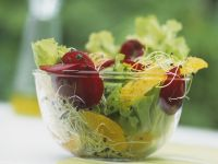Endive Salad with Sprouts, Oranges and Beets recipe
