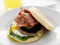 English Muffins with Bacon, Mushrooms, Poached Eggs and Spinach recipe