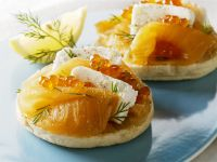 English Muffins with Smoked Salmon, Cream Cheese and Caviar recipe