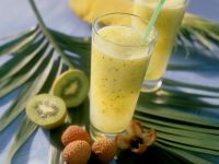 Exotic Fruit Smoothie with Kiwi, Pineapple and Lychee recipe