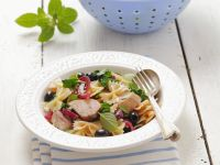 Farfalle with Chicken, Olives and Red Onion recipe