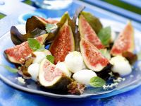 Fig and Mozzarella Salad recipe