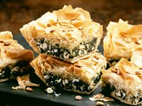 Filo Pastry Pie with Spinach and Cheese