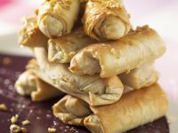 Filo Rolls Filled with Nuts recipe
