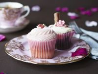 Floral Cakes with Flake