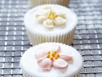 Floral Iced Individual Cakes recipe
