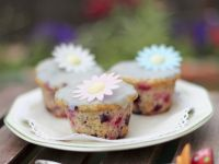 Flowery Easter Fruit Cakes recipe