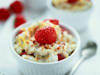 Flummery with Yogurt, Oatmeal and Strawberries recipe