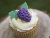 Fondant Bramble Cupcakes recipe