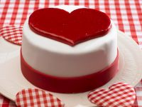 Fondant Covered Cake with a Heart recipe