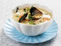 French Fish Soup with Shrimp, Mussels and Saffron