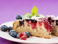 Fresh Berry Cake with Mint Garnish recipe