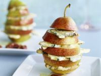 Fresh Pears with Blue Cheese and Pecans recipe