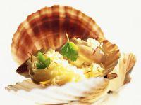 Fried Scallops with Sauerkraut recipe