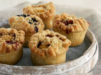 Fruit Muffins with Crumble Topping recipe