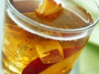 Fruity Iced Tea with Rum and Nectarines recipe