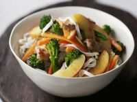 Pork with Noodles, Apple and Broccoli recipe