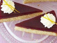 Gelatin-Topped Cake with Whipped Cream recipe
