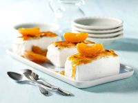 Goat Cheese Cream with Baked Apricots recipe