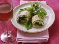 Gorgonzola and Spinach Wraps recipe