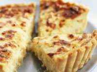 Gouda and Onion Quiche recipe