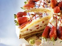 Gourmet Berry Gateau with Filling recipe
