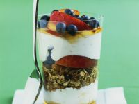 Granola-style Yoghurt Cups recipe