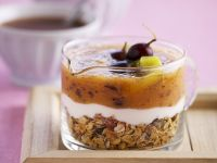 Grapes and Kiwi Jelly on Yogurt and Granola recipe