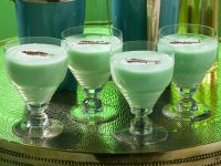 Creamy Green Cocktail recipe