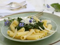 Green Borrage with Pasta and Cheese recipe