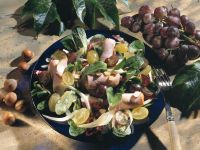 Green Salad with Fennel, Grapes and Hazelnuts recipe